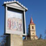 Na vrcholek Byšičky vede křížová cesta