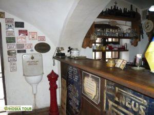 Pozůstatky po ČSR v restauraci pod hradem