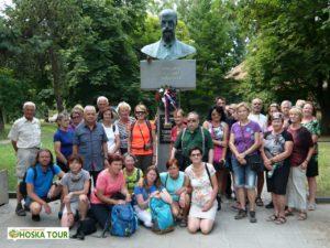 Společné foto u památníku T.G.Masaryka