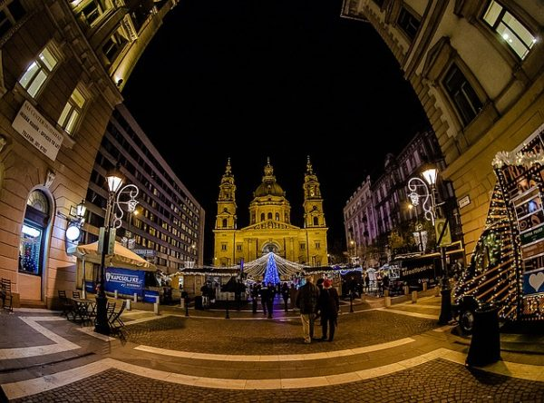 budapest-1078701_640