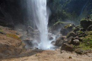 Tříštící se voda z vodopádu Peričnik