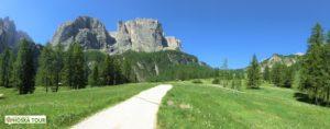 Skalní štíty Torre Bornech (2495 m) a Exner (2496 m) P