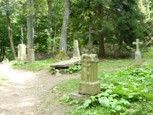 hřbitov v zaniklé obci Brzegi Górne