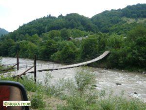 Zavěšený most přes Tisu