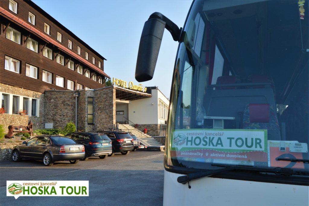 Autobusy u hotelu Churáňov