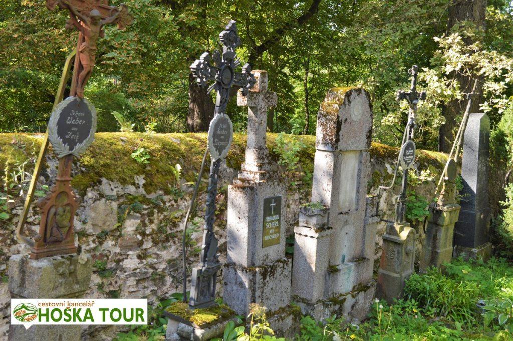Německé hroby u kostela sv. Mouřence