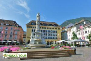 Bolzano - hlavní náměstí Waltherplatz (piazza Walther)