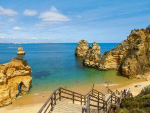 Algarve - pláž u města Lagos
