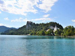 Městečko Bled s Bledským hradem
