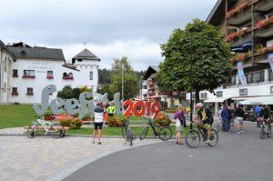 Turistika v okolí Zugspitze - náměstí v Seefeldu