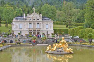 Turistika v okolí Zugspitze - zámek Linderhof