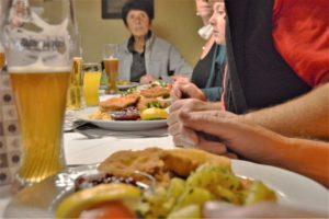 Turistika v okolí Zugspitze - restaurace Seefelder Stube