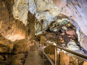 Harmanecká jeskyně