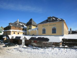 Hotel Praha Boží Dar - v zimě