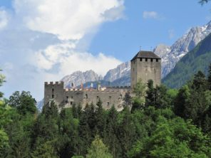 Hrad u města Lienz