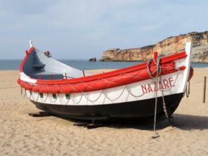 Nazaré - rybářské městečko a písčité pláže
