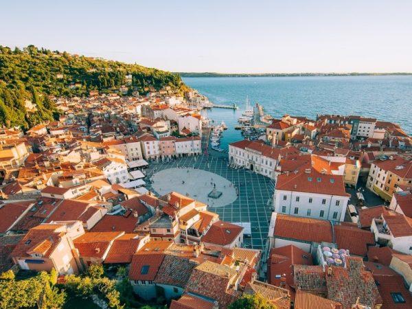 Poznávací zájezd - Slovinsko - Lublaň - Lipica - Terst - moře - jihozápad