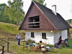 Pstrazna - muzeum lidové kultury Sudetských vrchů