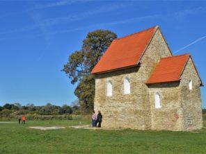 Románský kostelík v Kopčanech