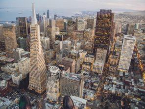 San Francisco - Financial district s mrakodrapem Transamerica Pyramid