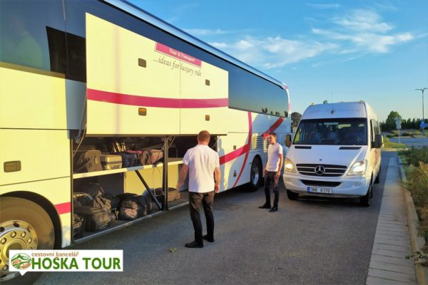 Zájezdy pro skupiny - doprava velkými i malými autobusy