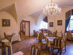 Zámecký hotel Hrubá Skála - restaurace