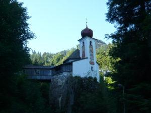 kostel sv. Jana Nepomuckého na skále u obce Söll