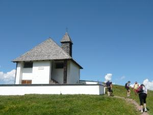 kaple sv. Bernarda při cestě na Hahnenkamm