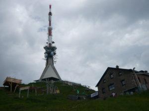 vysílač (výška 102 m) na Kitzbüheler Hornu (1998 m)