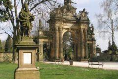 Hořice - Hřbitovní portál, vrch Gothard
